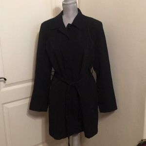London Fog Black Trench Raincoat ZIP front Size LG